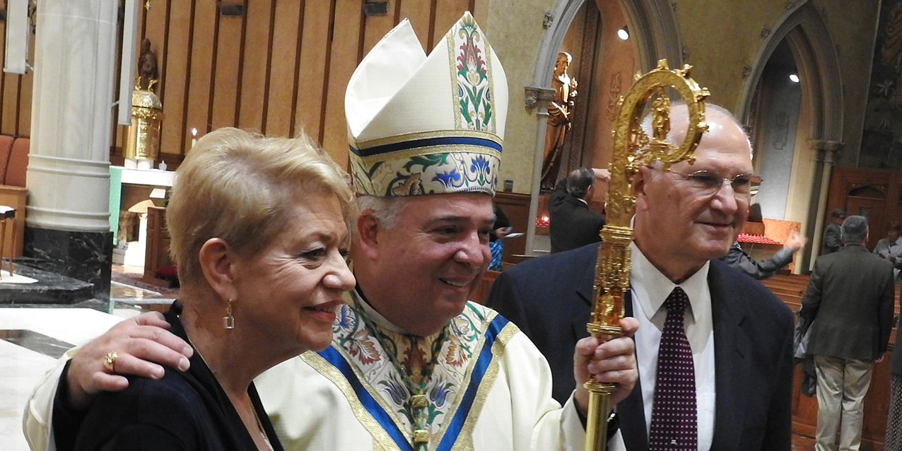 Diocesan couples observe 50th  wedding anniversaries with Mass at cathedral